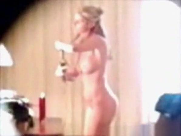 Defense lawyer implies erin andrews nude photo flourish her career latest in erin andrews marriott lawsuit